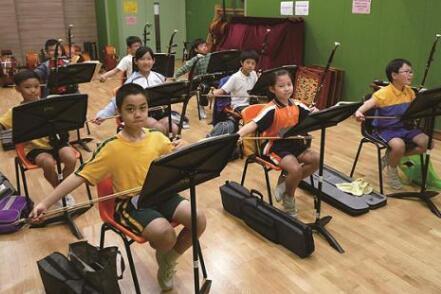 音乐培训是一种在学校预算枯竭时必须去做的事情