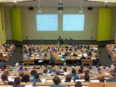 研究揭示了吸引不同学生的关键课程特征