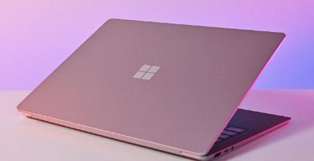 有传言称新的12.5英寸Surface笔记本电脑将于今年推出