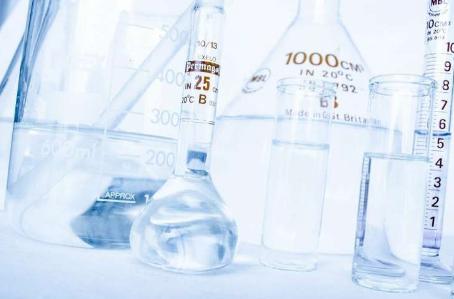 如果学生不能参加化学课程可以将化学课程带给学生