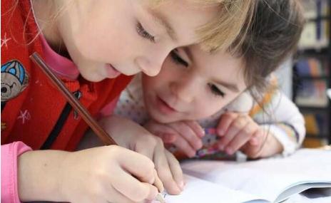 放宽对孩子的电子学习期望