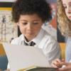 在阅读技巧方面女孩的表现始终胜过男孩