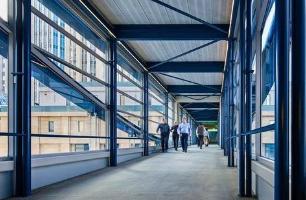 学校心理学家开发干预措施以减少走廊干扰