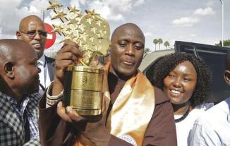 获得全球教师奖的肯尼亚人说投资于青年