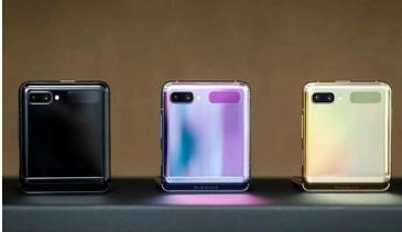 三星GalaxyZFlip3种颜色更大的封面显示泄露