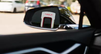 特斯拉将于今年晚些时候向其他电动汽车开放Supercharger网络