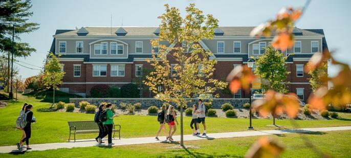 南新罕布什尔州将面对面学位的年学费定为1万美元和1.5万美元