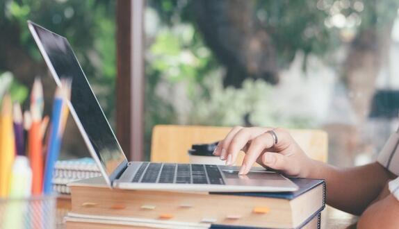 在线转变让大学希望分享课程