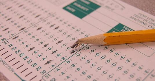 测试灵活性对衡量学生成长和学习趋势的影响