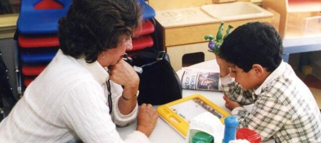 教育工作者在帮助学生处理悲伤方面发挥着关键作用