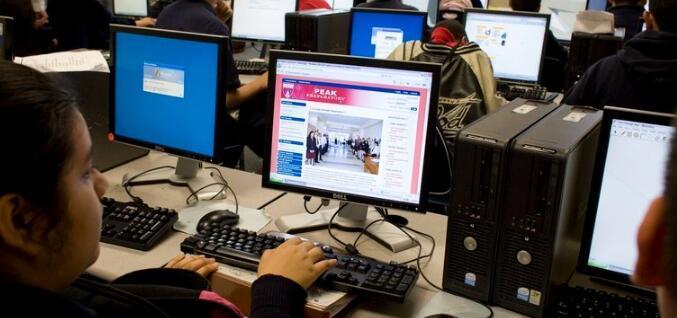 大学理事会AP参与度和成绩同步增长